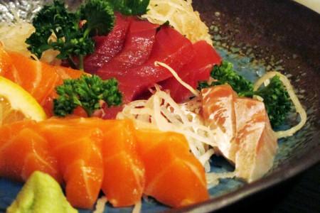 Salmon, Maguro and Tai sashimi